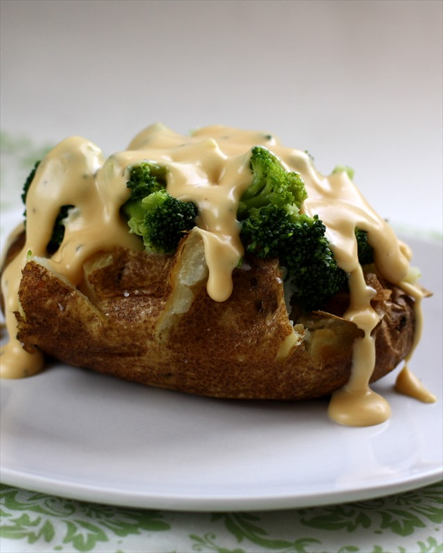BAKED POTATOES with BROCCOLI & AN AMAZING CHEESE SAUCE: Butter with a Side of Bread