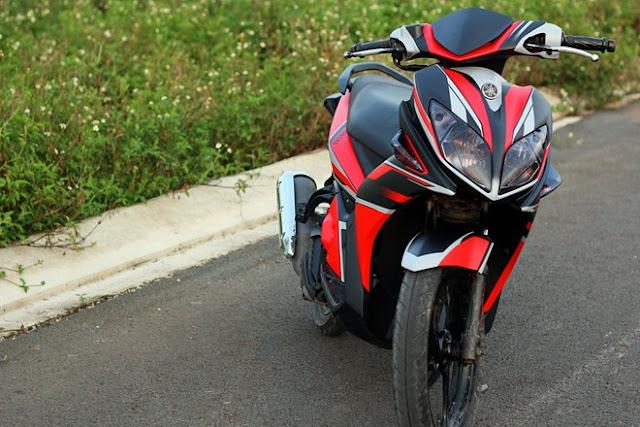 Yamaha Nouvo LX phối màu trắng đỏ đen nhám