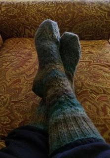 https://4.bp.blogspot.com/-Jf7o-LNEBtA/W-ELym_lOTI/AAAAAAAADuE/RbA1GrTduFoagKQiFGs6vZ2shwtfk3ClACLcBGAs/s320/socks.jpg