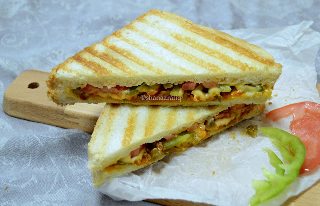 Vegetable Sandwich | Carrot & Capsicum Sandwich