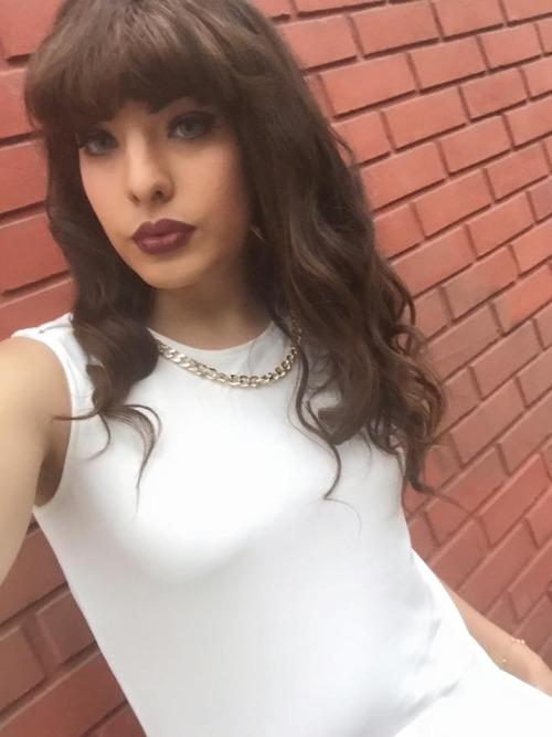 Big tits brunette galleries