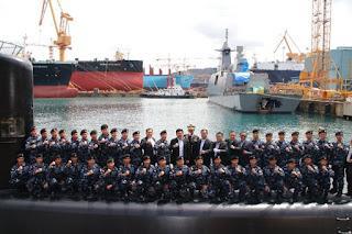 Panglima TNI : Kapal Selam KRI Ardadedali-404 Diawaki Prajurit Pilihan - Commando