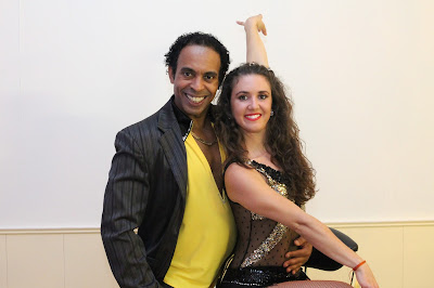 BACHATA MODERN UND SALSA ON2 TANZKURS IN BERLIN