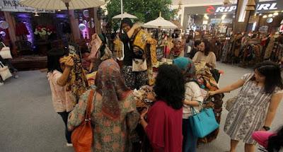 Baju Batik dan Kebaya AEON Mall BSD City