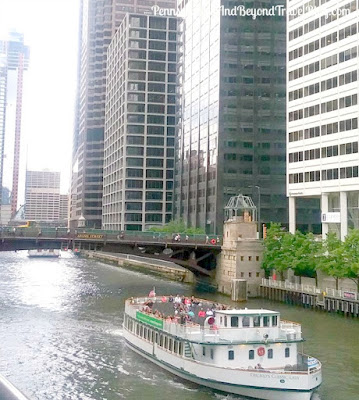 Lakefront Cruises and Architecture Tours in Chicago Illinois