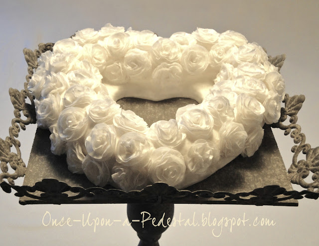 wafer-paper-flower-rose-wreath-valentine's-day-cake-free-tutorial-deborah-stauch