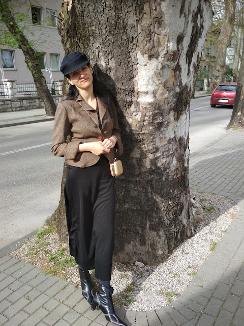 3 Ways To Wear  a Cap : Styling a Maxi Dress With a Blazer