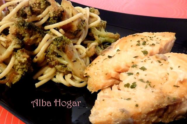 salmón con pasta integral y brócoli alba hogar