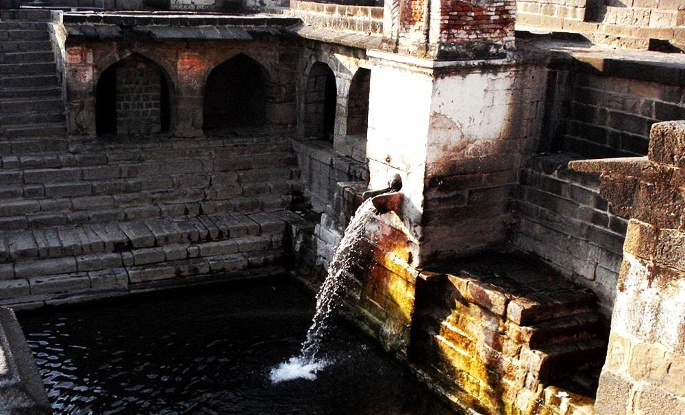 temple-lonar_lake_sarover_jhell_lonar_beautiful_place_10