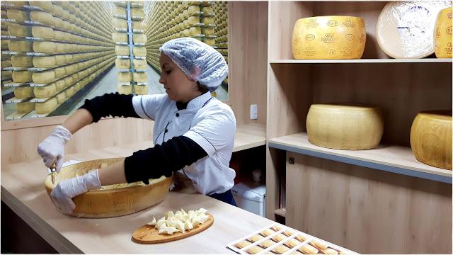 Festiqueijo - Carlos Barbosa - RS - Brasil. Festival gastronômico com destaque para o queijo e vinhos produzidos na serra gaúcha.