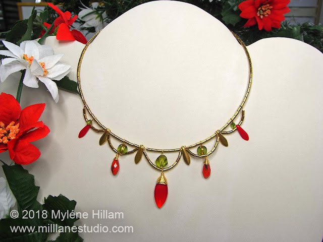 Scalloped Christmas Choker displayed on a jewellery bust.