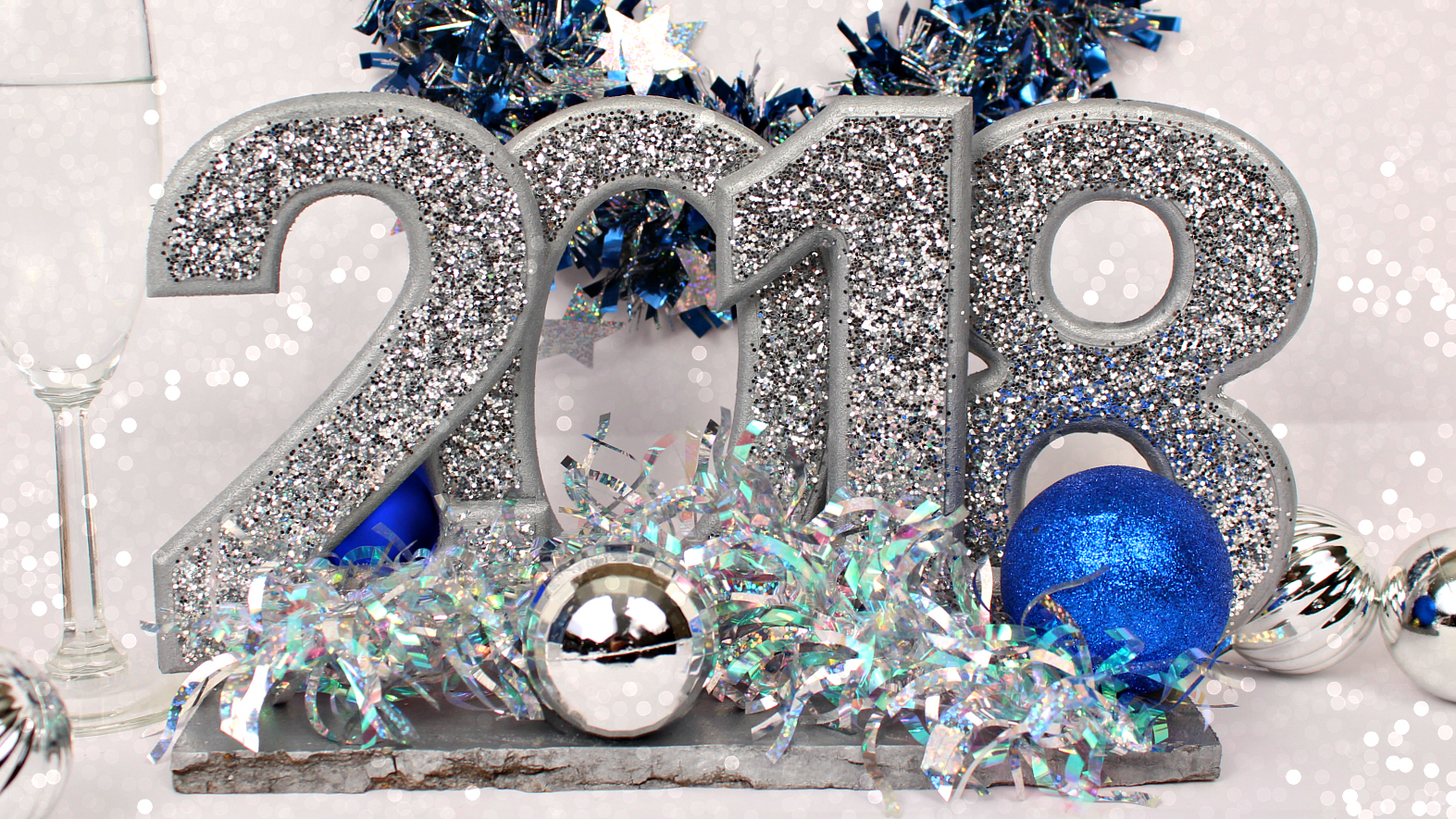 Mark Montano: New Year's Eve Centerpieces