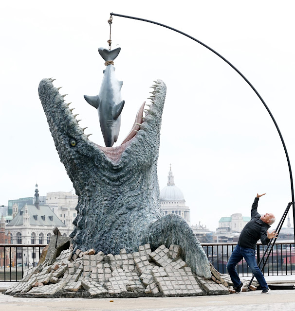 jurassic world thames