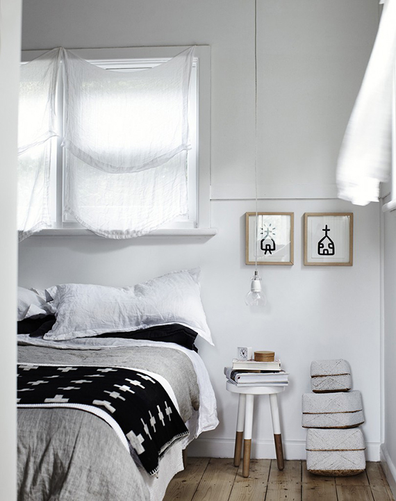 Bare bulb pendant lamps as bedside lighting | Image by Sharyn Cairns