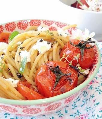 spaghetti with roasted tomato, goat cheese and honey recipe