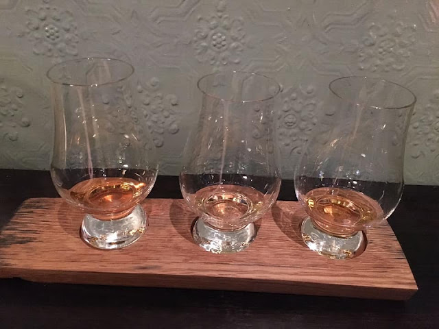 3 whisky sampler edinburgh scotland
