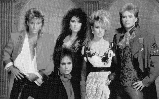 Heart: Mark Andes - Denny Carmassi - Ann Wilson - Nancy Wilson - Howard Leese