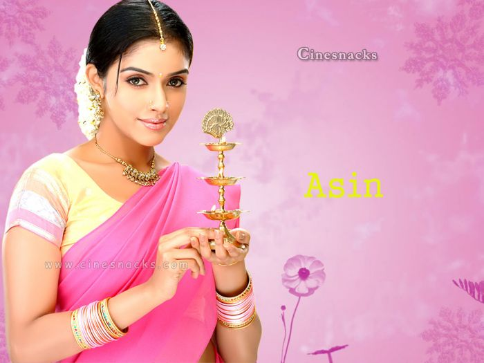 Indian Girl Wallpaper Free Download Asin Different Pictures Of Asin In Saree