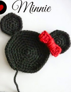http://xuabe-xuabe.blogspot.com.es/2014/09/patron-aplique-mickey-y-minnie.html