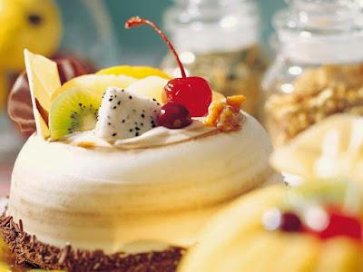 yummy-desert-fruit-cake-wallpapers