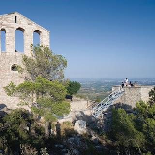 http://www.catalunya.com/mirador-i-santuari-de-santa-maria-de-foix-17-16003-331