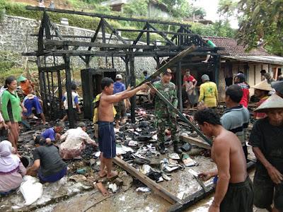 Diduga Konsleting Listrik,Rumah Warga Desa Sempu Ludes Dilahap Si Jago Merah