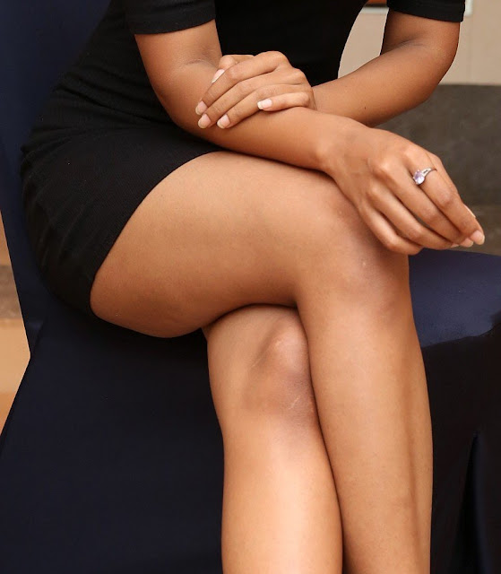 Debbie sexy full nude sexy leg hot mini skirt xxx picture
