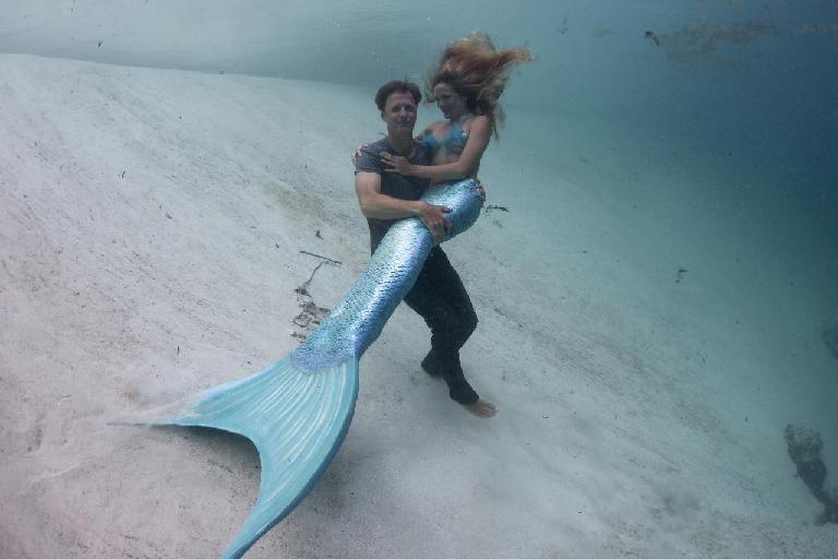 HAKONA MATATA: Real Mermaids Wallpaper