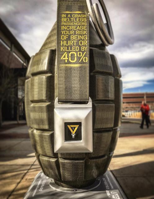 Una granada gigante para crear conciencia sobre los accidentes de trafico