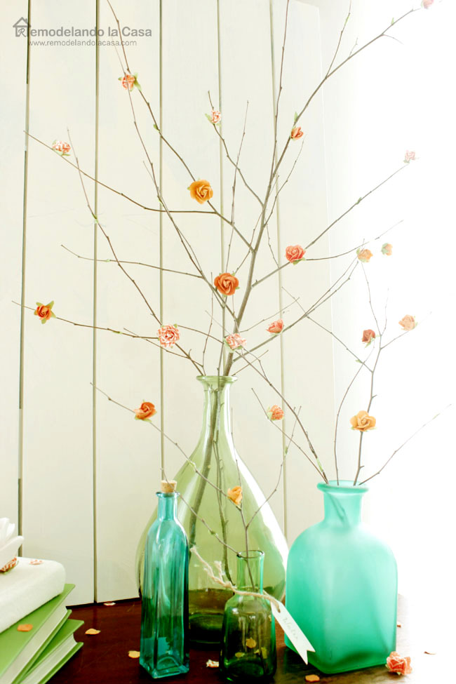 DIY - Bouquet of branches on green vases