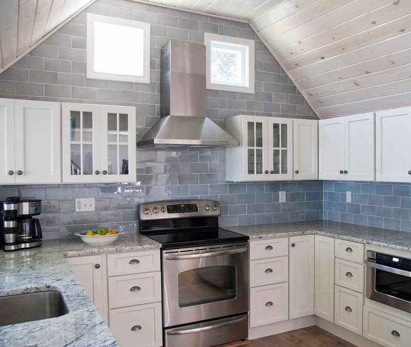 Simplifying Remodeling: What Goes With Granite Counters?