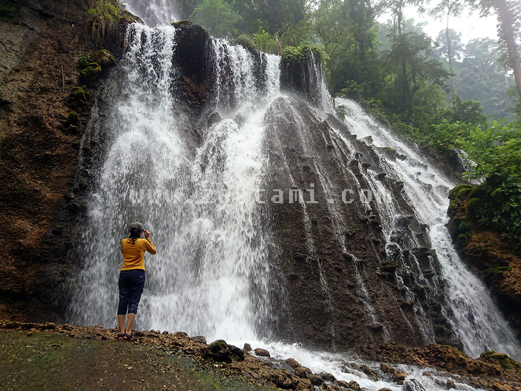 Goa Tetes, Wisata Air Terjun dan Goa Karst di Lumajang