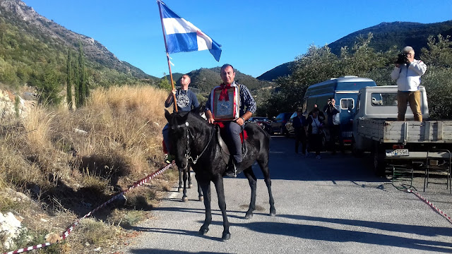 Με άλογα η εικόνα του αγίου Δημητρίου στο ομώνυμο παρεκκλήσι της Εγνατίας οδού
