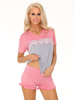 Pijamale roz cu buline -cumpara aici