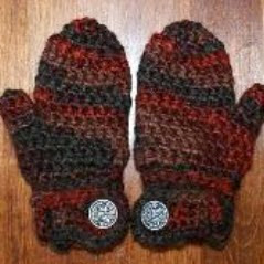 http://www.craftsy.com/pattern/crocheting/accessory/free-drews-easy-on-mittens/42900