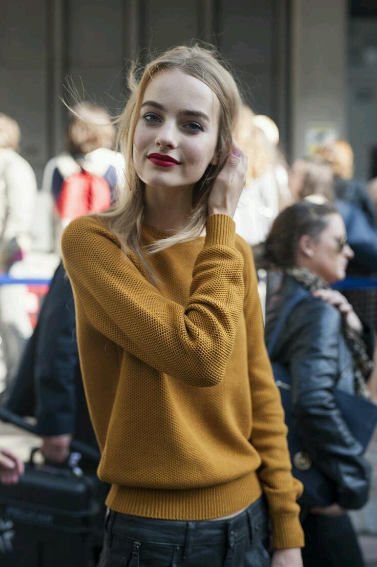 jesienne kolory, kolory jesieni, klasyczne kolory jesieni, fall colors, classic, autumn colors, colors of fall, streetstyle, jak nosić kobiety, styl życia, miodowy sweter