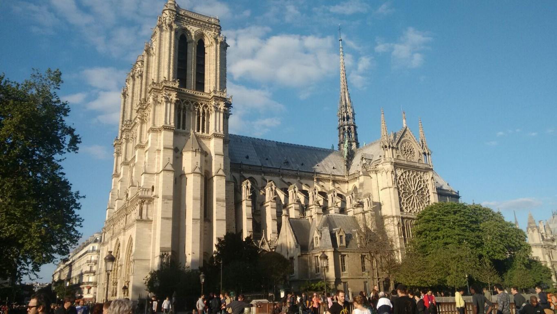 I Viaggi Di Raffaella Parigi La Cattedrale Di Notre Dame