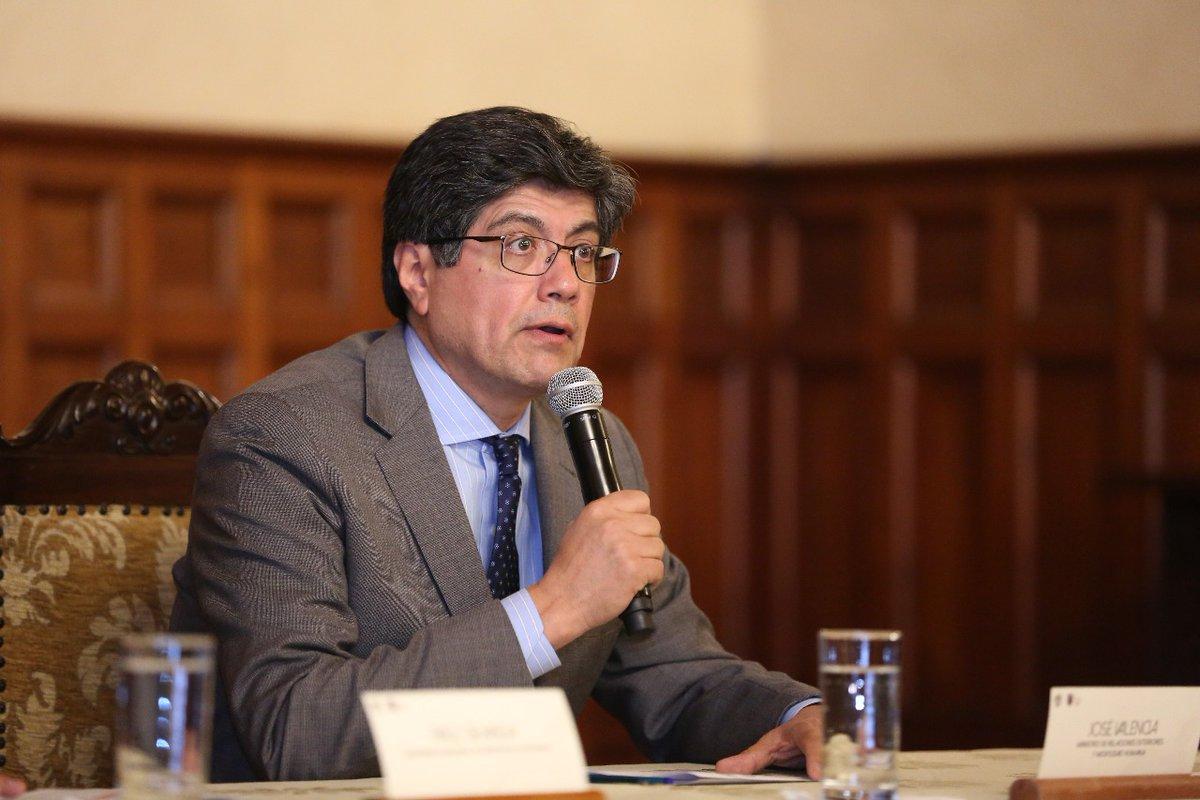 Canciller Valencia reaccionó molesto ante injerencia del mandatario boliviano / TWITTER