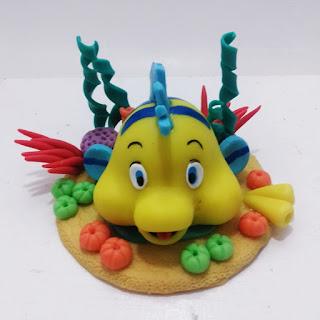 enfeite de bolo peixe linguado A pequena sereia