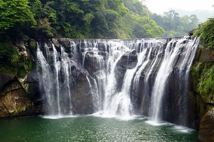 น้ำตกฉือเฟิน (Shifen Waterfall) @ www.wellwornroad.com
