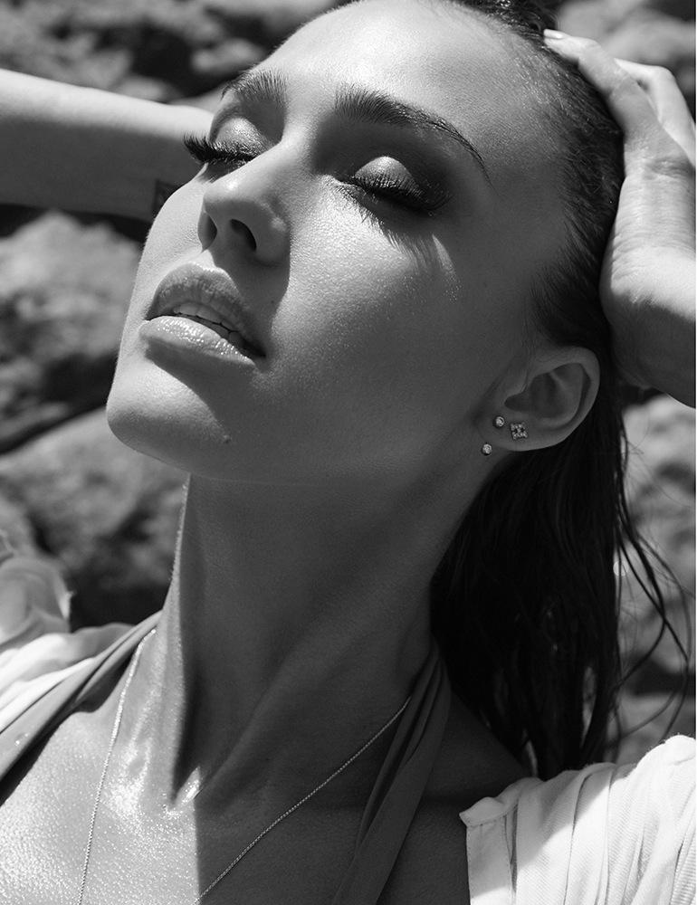 Stunning photos of Jessica Alba by Cliff Watts