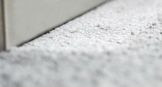 gk kreativ druckstellen und laufspuren aus einem teppich entfernen. Black Bedroom Furniture Sets. Home Design Ideas