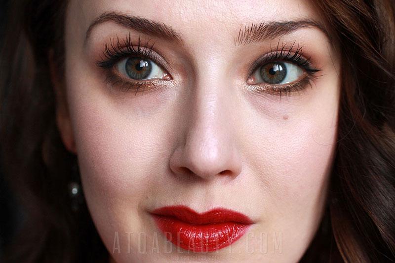 """Czerwone usta • Red lip // AVON • Ultra Colour Indulgence Lipstick """"Zmysłowa Przyjemność"""" • Red Dahlia //"""