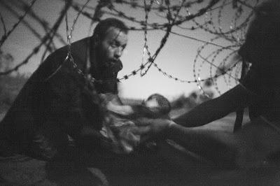Warren Richardson, World Press Photo 2015, sajtófotó, menekültválság, szír polgárháború, párizsi terrortámadások, nepáli földrengés,