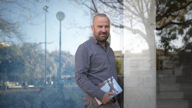 Un lector indiscreto el hombre que ya no soy de salvador for Salvador navarro