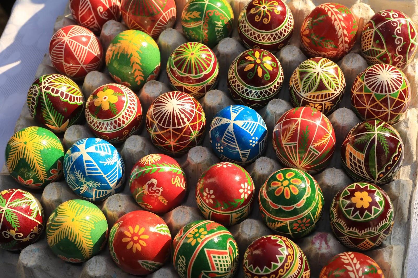 """<img src  Easter eggs.jpg"""" lt="""" http://dailytravelexperience.blogspot.rs/"""" />"""