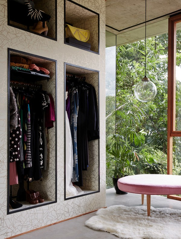armario vestidor empapelado y sin puertas chicanddeco