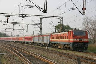 delhi-mumbai-rail-stoped-20-hours