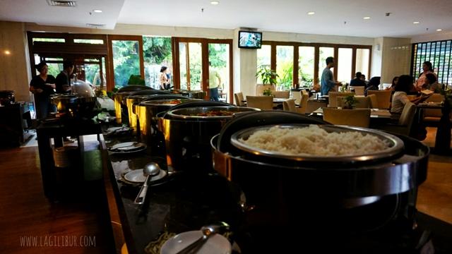 Buffet Pak Kades Jambuluwuk Malioboro Hotel Jogja