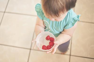 Pod jednym dachem z niemowlakiem: rozszerzanie diety
